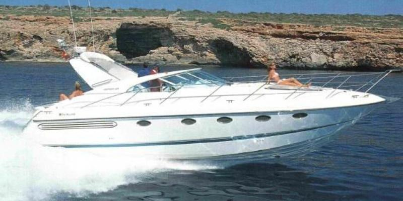 Яхта  Fairline Targa.jpg