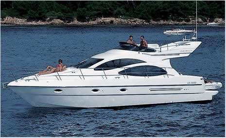 Yacht Azimut 42 for rent in Agia Napa